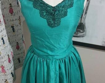 Emerald Green Pinup Dress Size M