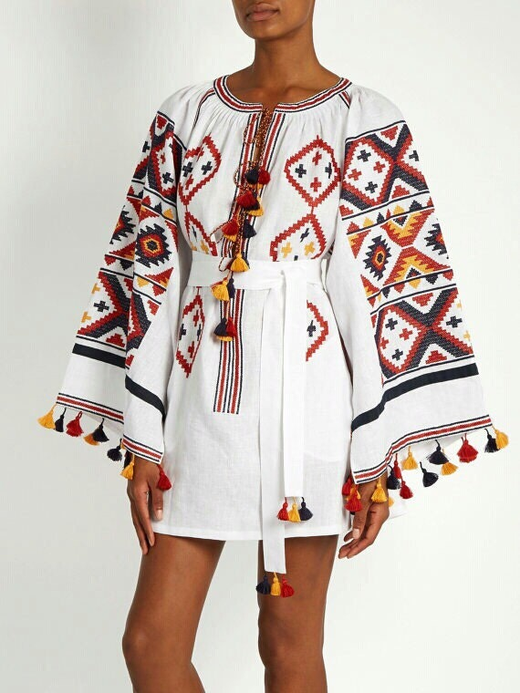 FREE shipping! White embroidered tunic to order boho style vyshyvanka