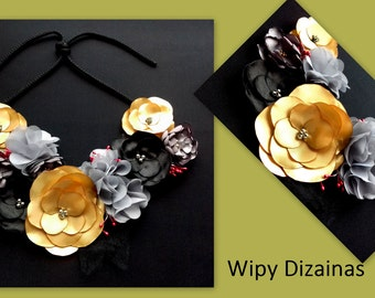 Necklace of satin flower