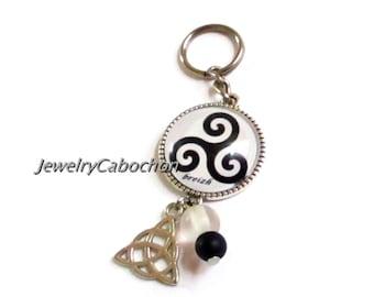 Keychain, Jewelry bag, triskel cabochon, celtic glass, beads