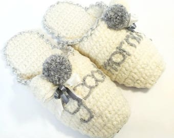 Slippers, white slippers, slippers for home, knitted slippers, Pompons, crochet slippers, women's slippers, shoes for adults, for home