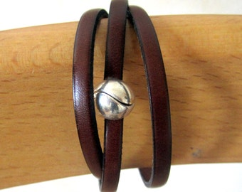 Bracelet Leather Brown, male/female, 2 wrist, ball plate money loving clasp.