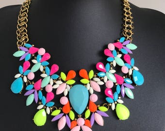 Large statement multicoloured necklace