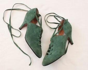 Alaïa suede heels