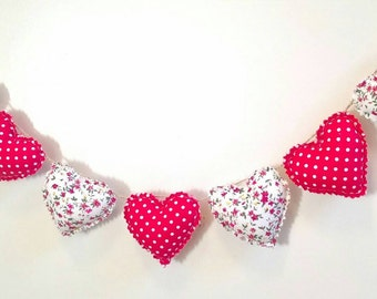 Hand Made Shabby Chic 7 Heart fabric Christmas Garland Bunting Red & White Ditsy Floral Spots Decoration