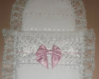 White Broderie Anglais & White Lace with Pink Satin Bow Moses Basket or Baby Pram Stroller Quilt Set