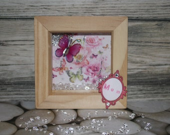 Perfect for Mothers Day - feminine butterfly design miniature box frame