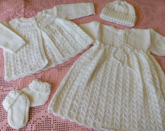 Beautiful layette for your baby girl or for a baby shower.knitted from acrylic and will not be allergenic