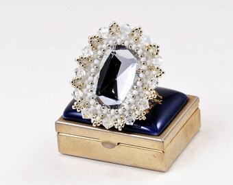 """FREE SHIPPING!!! Ring """"Beauty"""" with Swarovski crystals and silver beads. Gift for her. Universal size"""