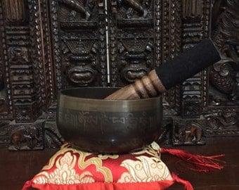 Singing / meditation bowl set...