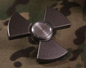 Radioactive Isotope .67 Spinner/Fidget Toy - Silver Vein Powdercoated Aluminum with Ceramic Bearing