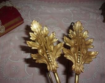 A pair of big old Kiss, 19 th, leaf motifs