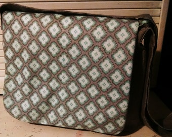 Messenger crossbody bag