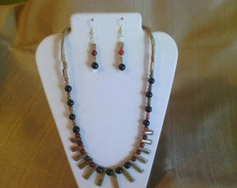 120 Ethnic Style Beautiful Fan Focal Beaded Indian Unakite and Red and Black Agate Beaded Necklace