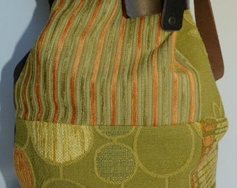 Agata: patchwork purse, leather belt model stopped with great handmade button. Cotton lined, 2 internal pockets