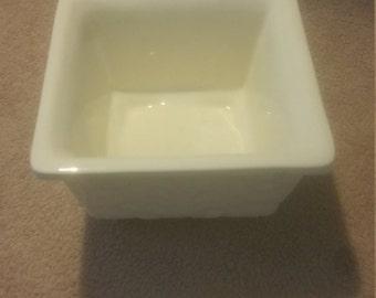 Vintage Haeger White leaf pottery 604