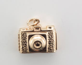 9ct Yellow Gold Camera Charm