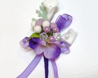 Lavender Berries White Mini Calla Lily-Flower Boutonniere-Pin on Boutonniere-Wedding-Prom-Graduation-Special Event Boutonniere