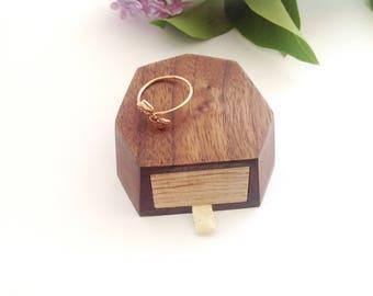 Wedding box for ring Engagement ring box Wedding ring box Engagement gift box Wood ring box Proposal ring box Wooden ring box