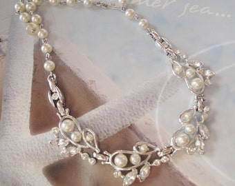 Vintage Bridal/Wedding Necklace   Pearls And Rhinestones  16 inch Choker Necklace