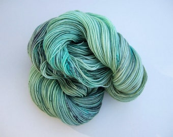"Hand Dyed Speckled Yarn 100g Superwash Merino Wool/Nylon sock weight ""Daedalus"", turquoise, green"