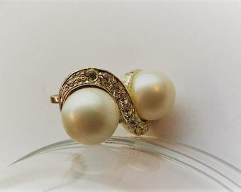 Vintage Faux Pearl and Rhimestone Screw on Earrings