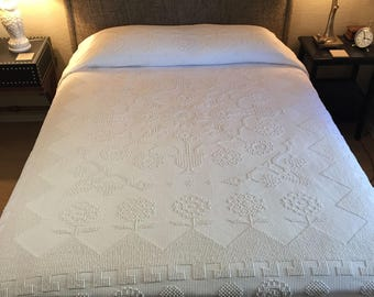 Vintage Martha Washington design chenille bedspread, white with floral detail, size double