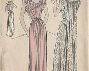 "1940s Vintage VOGUE Sewing Pattern B32""-34""NIGHTDRESS/NIGHTGOWN (R98) Medium Vogue 5720"
