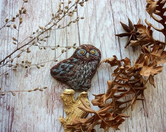 Felted embroidered brooch Owl - Owl pin  - Brown brooch - Brown pin - Felted brooch - Embroidered brooch - Owlet Pin - Owl brooch - Owl