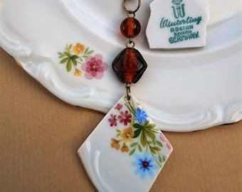 Necklace made with the broken China dish / Broken china jewelry Necklace