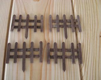 4 Pieces Miniature Wooden Fence / Vintage Look