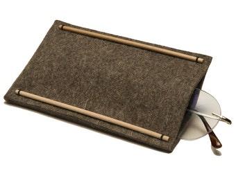 Felt sleeve for glasses, made of natural materials, Elegant felt sleeve, felt case, Free shipping.