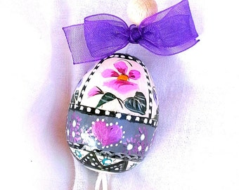 Hand painted egg to hang-collectibles-wooden-Easter-decoration with wire and Bell
