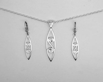 Celtic spiral pendant andearring set in sterling silver