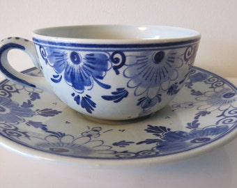 Schoonhoven pottery Holland 5 cups and saucers Delft