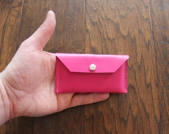 Sale!! Genuine pink leather business card holder, credit card holder, minimalist wallet. Can fit up to 25 business cards. Fr: Porte carte