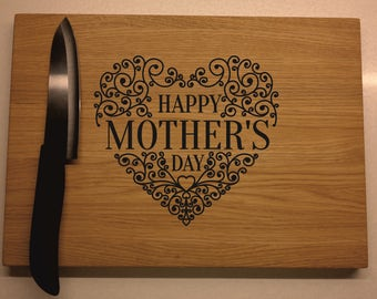 Mothers Day Gift, cutting board for Mom, birthday gift idea for her, monogrammed gifts, anniversary gift for Mom, Personalized Cutting Board