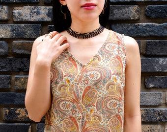 70's style paisley dress /Japanese vintage dress / Ruffled bottom / Cotton dress / Patterned dress / Retro / Mod / Size XS