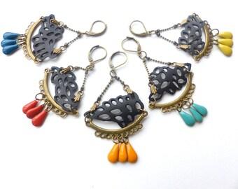 boucles d'oreilles en dentelle de chambre à air, apprêts en bronze sans allergènes,avec des sequins de couleurs aux choix