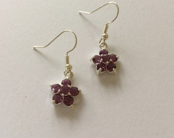 Purple Flower Earrings / Purple Earrings / Purple Jewellery / Purple Gifts / Flower Gifts / Flower Earrings / Flower Jewellery