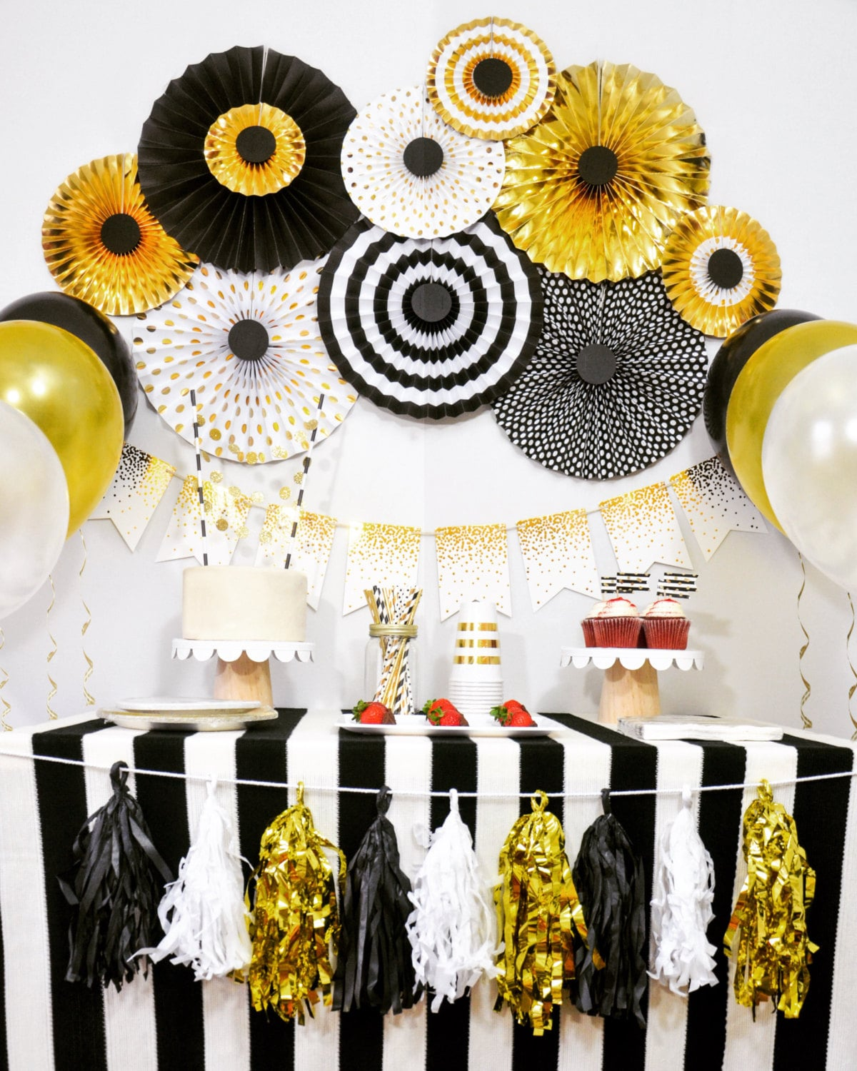 Lovely Ideas Of Party City New Years Decorations - Best Home Design ...