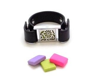 Aromatherapy Jewelry, Aromatherapy Bracelet, Essential Oil Diffuser Bracelet, Leather Jewelry, Floral Aromatherapy Bracelet Locket