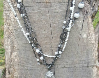Premier Designs convertible black and white necklace with pendant