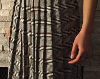 SALE* Vintage Skirt Long Pleated Houndstooth Plaid Black White Red Worthington Medium M