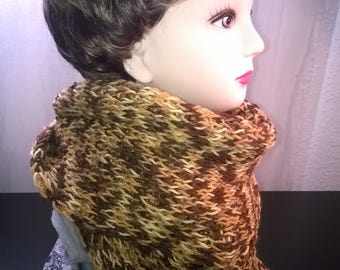 Brown patterned acrylic wool scarf