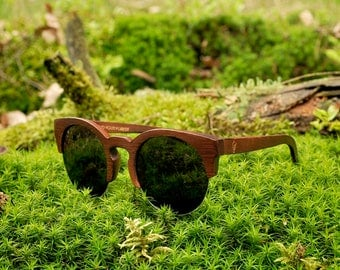 Robin Wood, bamboo wood sunglasses, brown bamboo, polarized lenses, UV400. Be eco, plant a tree!