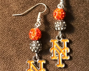 New York Mets earrings with logo charms