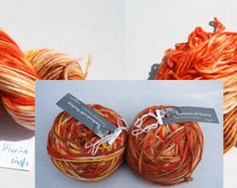 Hand-dyed Merino Wool 2 Knäul / 200 g