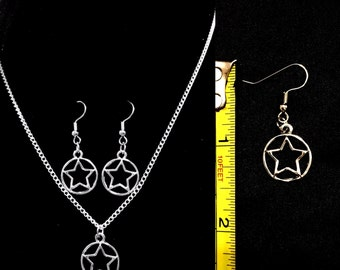 """19"""" circled star necklace and earrings"""