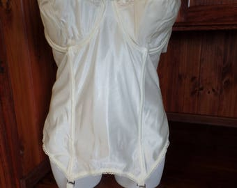 34D & 32DD Goddess Bustier with garters True vintage Satin look Ivory With eyelet trim